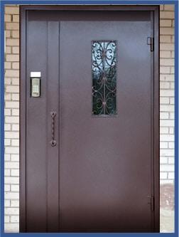 Двері для підїзду
